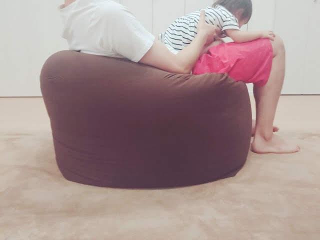 人をダメにするソファの柔らかい面を上に